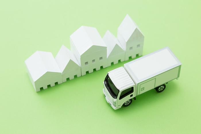 トラックと町並みの模型